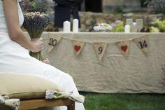 Decoración de mesas y puestos en boda al aire libre o cóctel Ideas Para, Table Decorations, Home Decor, Outdoor Cocktail Party, Outdoor Ceremony, Civil Ceremony, Kids Menu, Altars, Homemade Home Decor
