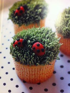 Ladybugs Cupcakes