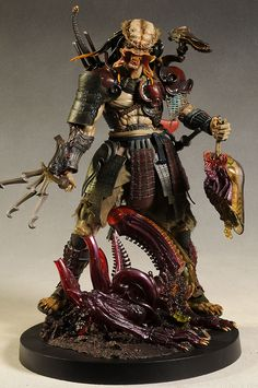 Samurai Predator 1/6th action figure by Hot Toys
