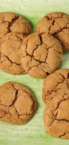 These Soft Ginger Cookies capture the essence of fall in the best way possible. Find this kidney and diabetes-friendly recipe in the DaVita Fall Cooking Collection. Davita Recipes, Detox Recipes, Kidney Friendly Foods, Diabetic Friendly, Fall Cookies, Holiday Cookies, Soft Ginger Cookies, Everyday Dishes, Sweet Breakfast