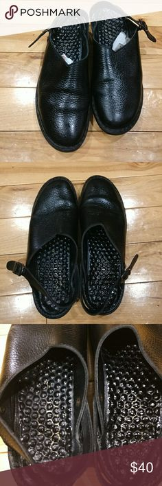 Women Josef Seibel clogs 10 Josef Seibel clogs black color made in Hungary. They are in excellent condition and very comfortable. I'm selling them at an excellent price so get them today yeah! Josef Seibel Shoes Mules & Clogs
