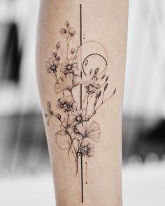 ⊹ wildflowers x pure lines ⊹ tatts tattoos, flower tattoos и korean tattoos. Love Tattoos, Sexy Tattoos, Unique Tattoos, Beautiful Tattoos, Body Art Tattoos, Tatoos, Calf Tattoos, Botanisches Tattoo, Tattoo Linework