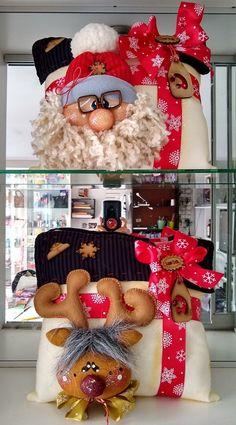 Santa y reno Christmas Time, Christmas Wreaths, Christmas Crafts, Merry Christmas, Christmas Decorations, Xmas, Holiday Decor, Christmas Tree Toppers, Ornament Wreath