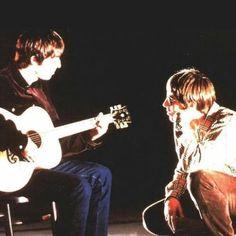 Namore alguém que te olhe como o Liam olhava para o Noel ❤️