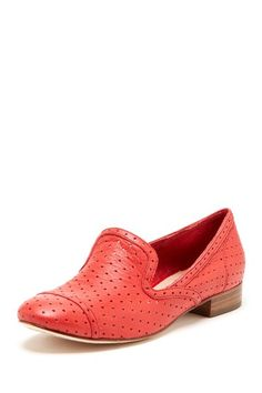 Imagine me, these shoes, and a sleek black outfit. Hard to do, since I never dress like that.