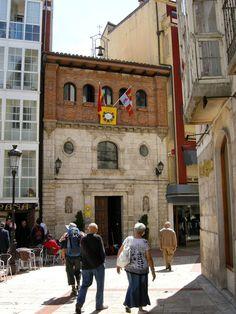 Albergue de peregrinos de Santiago y Santa Catalina, La Divina Pastora, #Burgos #CaminodeSantiago