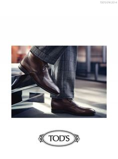 Tom Warren Models Sharp Shoes for Tods Fall/Winter 2014 Ad Campaign image Tods Shoes Fall Winter 2014 Ad Campaign Tom Warren 001 800x1079