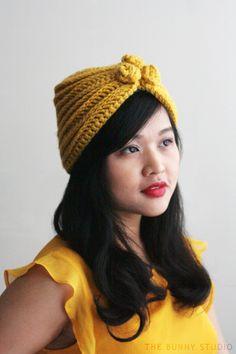 Crochet Beanie Design The Bunny Studio: Free Crochet Pattern: Alma Hat Crochet Beret Pattern, Crochet Turban, Vintage Crochet Patterns, Knitting Patterns, Crochet Headbands, Headband Pattern, Hat Patterns, Vintage Knitting, Crochet Stitches