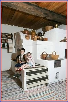 Moldova, traditional home decoration. Romania People, Home Design, Interior Design, European Home Decor, Earth Homes, Classic House, Historic Homes, Traditional House, Cozy House