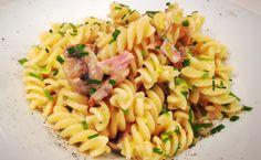 Pasta Prosciutto e Funghi von cookingsociety.at Fusilli, Pasta Salad, Ethnic Recipes, Food, Stuffed Pasta, Ham, New Recipes, Fresh, Koken