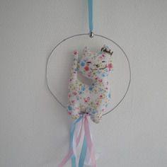 Mobile chat en coton fleuri  et fil de fer  pour décoration