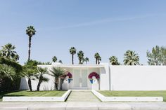 Palm Springs cupcake house, mid-century modern architecture