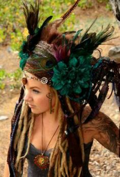 This is not boho! Its a hippie with dreads wearing an indian headdress. Dreads, Teal Flowers, Feather Headdress, Feather Crown, Tribal Belly Dance, Tribal Fusion, Boho Gypsy, Bohemian, Headgear