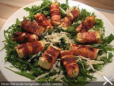 Fried sheep's cheese wrapped in bacon on arugula parmesan salad – Sabine Schr Gebratener Schafskäse im Speckmantel auf Rucola-Parmesan-Salat Fried sheep's cheese wrapped in bacon on arugula and parmesan salad 2 Appetizer Recipes, Salad Recipes, Healthy Recipes, Simple Appetizers, Seafood Appetizers, Cheese Appetizers, Party Appetizers, Menu Dieta, Pork Recipes