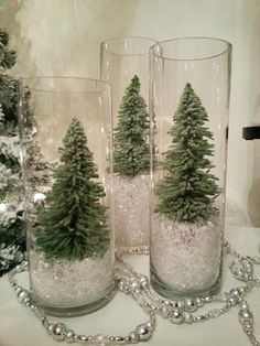 100 Creative Christmas Decor for Small Apartment Ideas Which Are Merry & Bright . - 100 Creative Christmas Decor for Small Apartment Ideas Which Are Merry & Bright – Hike n Dip Infor - Noel Christmas, Rustic Christmas, Winter Christmas, Christmas Crafts, Outdoor Christmas, Christmas Tree Ideas, Christmas Budget, Gifts For Christmas, Flocked Christmas Trees
