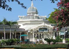Disney World Character Dining: Magic Kingdom's Crystal Palace | Disney World Blog Discussing Parks, Resorts, Discounts and Dining | Only WDW...