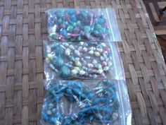 paper beads Paper Beads, Recycled Glass, Recycling, How To Make, Fun, Armadillo, Upcycle, Hilarious