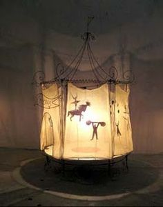 Magical circus light! Pascale Palun --MAKE SHADOW PUPPET THEATER
