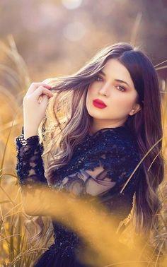 Beautiful Girl Photo, Beautiful Girl Indian, Cute Baby Girl Images, Cute Girls, Stylish Girls Photos, Girl Photos, Pakistani Girl, Pakistani Actress, Mehndi Outfit