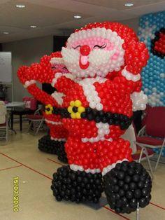 Balloon Decorations » Christmas » Balloon Sculpture