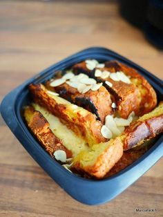 Ne jetez plus le pain dur! Food To Go, Food And Drink, Dessert Pots, Grilling Recipes, Cooking Recipes, Tupperware Recipes, Cake Recipes, Dessert Recipes, Bread And Pastries