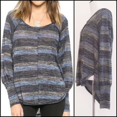 Free People Sweater Tunic ➖SIZE: Small ➖BRAND: Free People Beautifully made and super comfortable Free People Sweater tunic ✌️The sleeves come in at the bottom to become fitted. They aren't quite cinched though. Refer to pictures Free People Sweaters