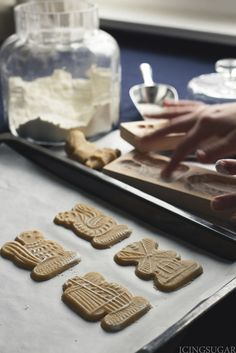 One of my most favorite cookies for Christmas (and during the year) are Dutch Speculaas. I love the crispness and the spice. Ideal with a cup of tea. As Speculaas are hard to find here in Switzerla…