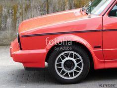 """Rotes VW Golf Cabriolet aus Deutschland mit dem schönen Spitznamen """"Erdbeerkorb"""" beim Oldtimertreffen in Wettenberg bei Gießen in Hessen"""