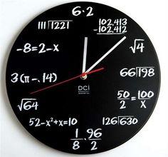 Đồng hồ với các công thức toán học