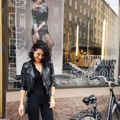 #работа #люблюсвоюработу❤️ #lovemyjob #olaplex #olaplexfinland #väri #inspiraatio #hiukset #kamppi #hiussalonki #stylisti #helsinki #wella #wellaprofessional #loreal #lorealprofessionnel #hairstyle #hairdressing #look#haircut #hairbeauty #haircolor #kampaaja #kauneus #uustukka #balayage #blondi #ombrehair #kc # Hair Cubed, Helsinki, Ombre Hair, Loreal, Haircolor, Hairdresser, Hair Beauty, Hairstyle, Fashion