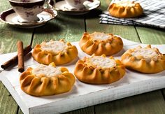 Recipe Of The Day: Cretan Lychnarakia (Sweet Cheese Pies) Greek Desserts, Greek Recipes, Cheese Pies, Recipe Of The Day, Caramel Apples, Pumpkin Carving, Nutella, Food To Make, Cooking Recipes
