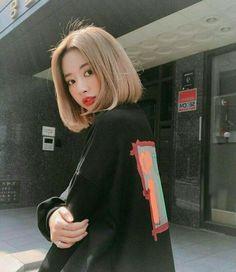 Imagen de asian, korean, and girl Blonde Hair Korean, Blonde Asian, Korean Short Hair, Asian Hair, Short Blonde, Girl Short Hair, Short Hair Korea, Ulzzang Short Hair, Shot Hair Styles