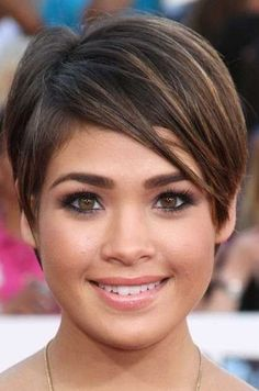 Pixie hairstyles fine hair for round face 2018 2019 - page from haircuts fo Pixie Cut Round Face, Pixie Haircut For Round Faces, Short Hair Cuts For Round Faces, Short Thin Hair, Round Face Haircuts, Short Hair With Bangs, Short Pixie, Short Hair For Round Face Double Chin, Thick Hair