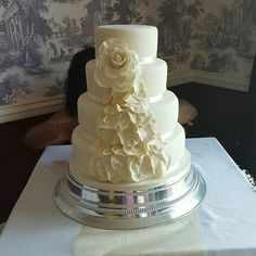 4 tier wedding cake with edible flowers 4 Tier Wedding Cake, Wedding Cakes, Edible Flowers Cake, Desserts, Food, Tailgate Desserts, Meal, Wedding Pie Table, Dessert