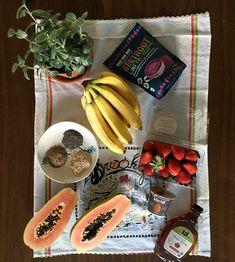 VEGAN SPREAD banana, strawberry, beet root powder, healthy