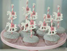 Cupcake: Fevereiro 2014 | Carrossel e bonecas