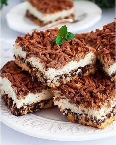 Tarta z mascarpone i jagodami - I Love Bake Polish Recipes, New Recipes, Cake Recipes, Food Cakes, Cheesecakes, Biscotti, Tiramisu, Deserts, Food And Drink