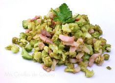 Una manera diferente de comer verdura.. Ingredientes: 600 gr de romanesco, se puede hacer con broquil verde o coliflor. 300 gr de guisantes, hervidos o de lata 200 gr de…