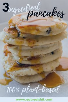 3 Ingredient Pancakes - A healthy and quick plant-based reci.- 3 Ingredient Pancakes – A healthy and quick plant-based recipe Plant Based Diet Meals, Plant Based Meal Planning, Plant Based Eating, Plant Based Foods, Plant Diet, Plant Based Dinner Recipes, Vegan Recipes Plant Based, Alkaline Recipes, Recipes Dinner