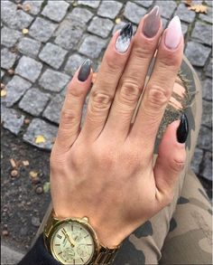 @Kasiaoleskiwicz has nailed the mix up of colours in her Autumn Mani, love it! www.semilac.co.uk #nails #nailstagram #nailart #semilac #semilacuk #love #autumn #trends #beauty