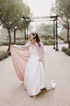 Rose Desire - My Valentine Vestido Danae Tobajas, Fotografía: Jairo Crena, Organización Lalablu Snowy Wedding, Dream Wedding, Bohemian Bride, Sexy Wedding Dresses, Romantic Weddings, Bridal Style, Wedding Events, Wedding Planner