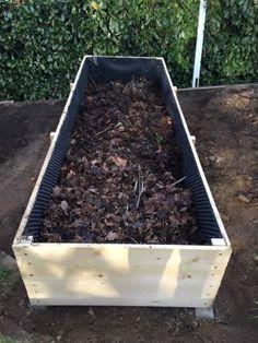 Vyvýšené záhony - foto návod – Z mojí kuchyně Raised Garden Beds, Raised Beds, Raised Gardens, Plants, Gardening, Veg Garden, Garden, Organic Gardening, Compost