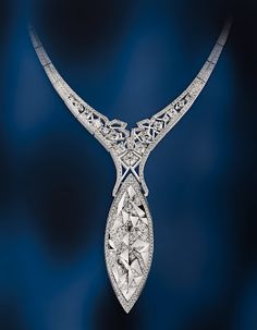 Canoe diamond necklace