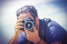 David 🐝 Martín Alonso in Fotos  Travel Agent, Tour Guide, Photographer • Global Brand Ambassador, Andalucía Experiencias/Grupo Edutravel  1 d ago · 3 min read ·  1.6K  La fotografía, las disciplinas, mi trabajo, mi pasión  El trabajo de fotógrafo es duro; de hecho hay muy pocas personas que puedan vivir exclusivamente de la fotografía #BeBee #Foto