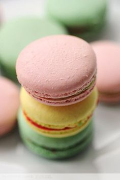 macaron, my favorite kind of sweet Macaron Nutella, French Macaroons, Love Food, Sweet Tooth, Sweet Treats, Food And Drink, Tasty, Gastronomia, Recipes