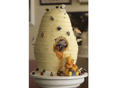 At Cinderella Cakes in Costa Mesa, the Pooh Bear beehive cake is a favorite. http://www.cinderellacakes.com/