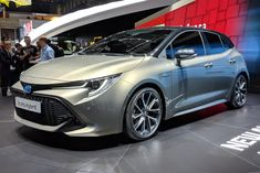 Toyota Auris toyota auris 2018 specs, toyota auris 2018 release date, toyota auris 2018 interior and exterior, toyota auris european and american variants with price tag. New Corolla, Toyota Corolla Hatchback, Toyota Verso, Toyota Hybrid, Toyota Auris, Nissan Leaf, Nissan Maxima, Geneva Motor Show, Ford Gt