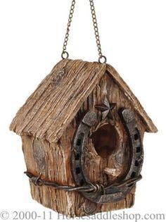 Rustic Bird House - Love the horseshoe at the entrance! - My Sunny Gardens Bird House Plans, Bird House Kits, Jardin Decor, Bird House Feeder, Rustic Bird Feeders, Birdhouse Designs, Birdhouse Ideas, Bird Houses Diy, Horseshoe Art