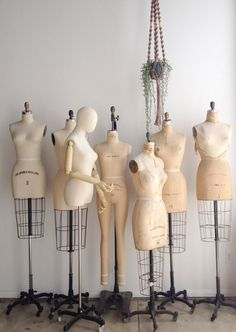 vintage dress forms at the adored vintage studio - Vio G. - - vintage dress forms at the adored vintage studio – Vio G. – Source by annettesbraun - Dress Form Mannequin, Vintage Mannequin, Fashion Mannequin, Mannequin Display, Vintage Dresses, Vintage Outfits, Vintage Fashion, Vintage Dress Forms, Vintage Style