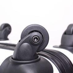 Onze trolleys bevatten soepele wieltjes voor het ultieme reiscomfort.